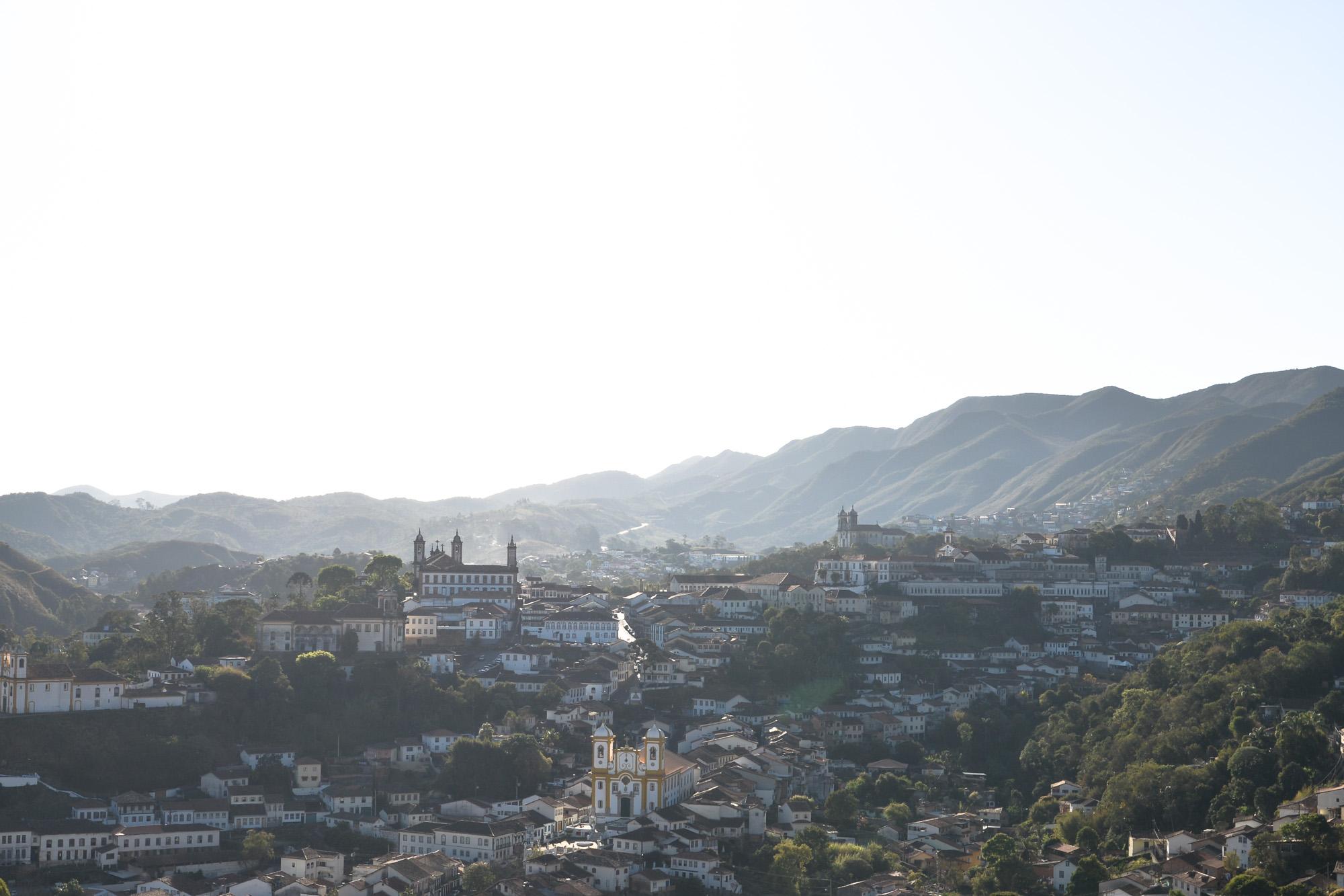 Ouro Preto, os mirantes intermináveis_Num Postal