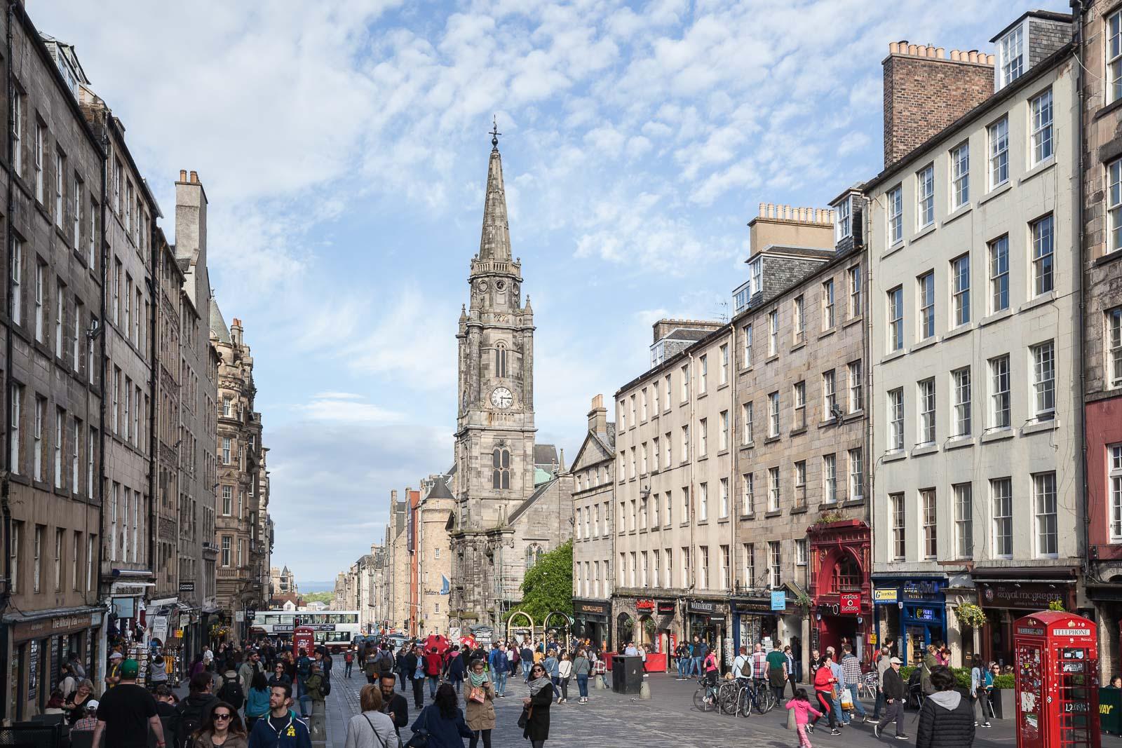 Edimburgo, paredes que contam histórias_Num Postal