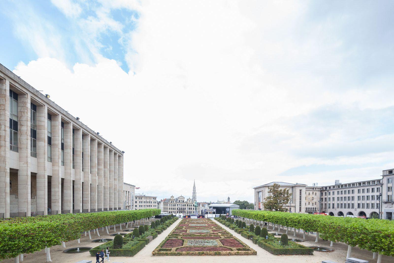 Bruxelas, a base para outros portos_Num Postal