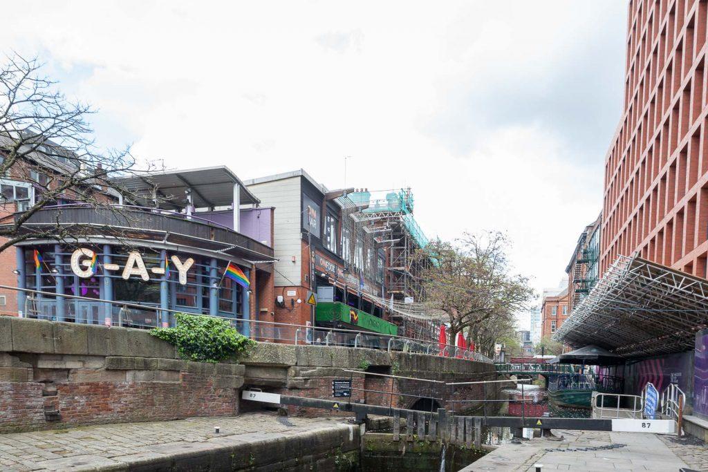 Manchester, ao ritmo do rock_Num Postal