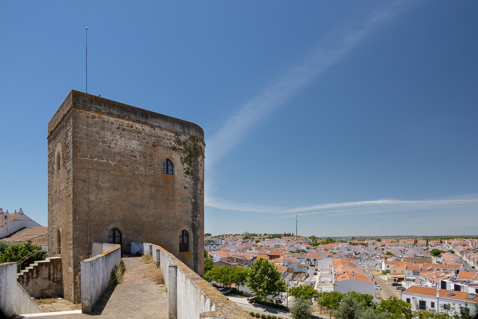 Redondo, em torno de um castelo peculiar_Num Postal